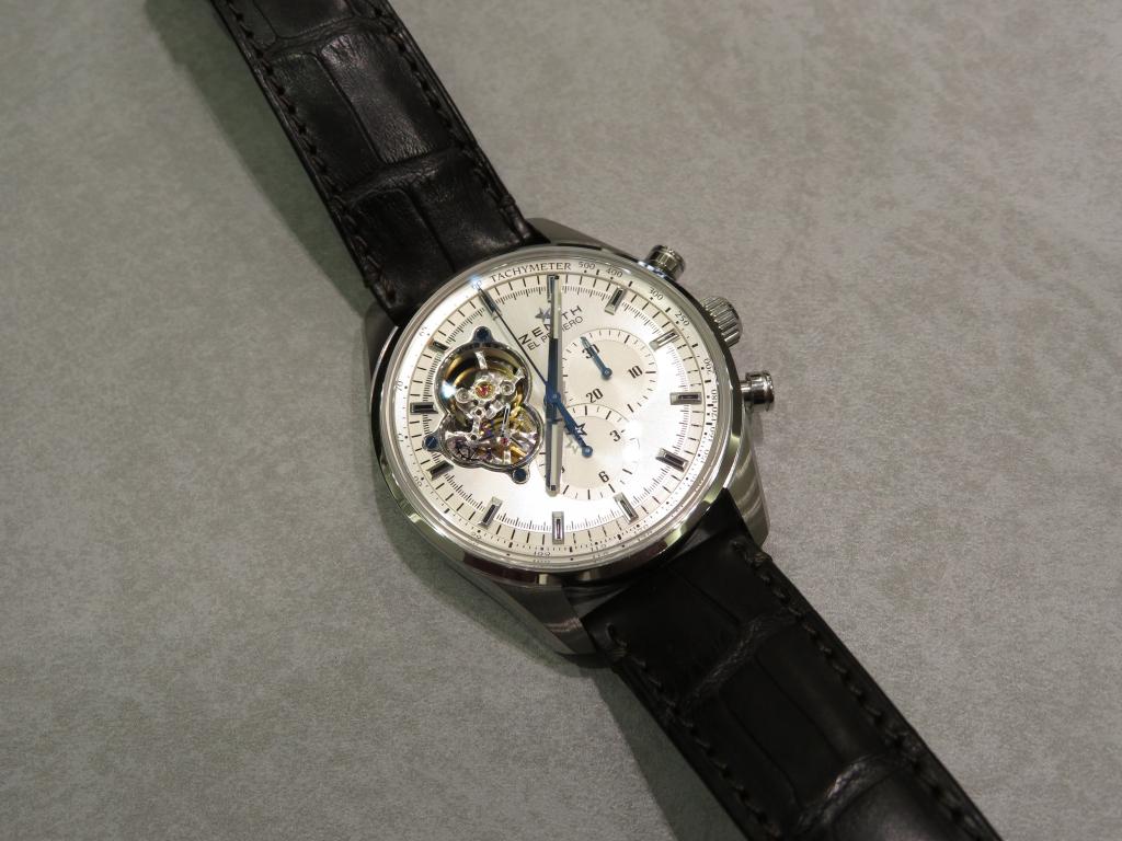 ストラップの組み合わせで時計の印象も変わります。 - CHRONOMASTER  IMG_1005
