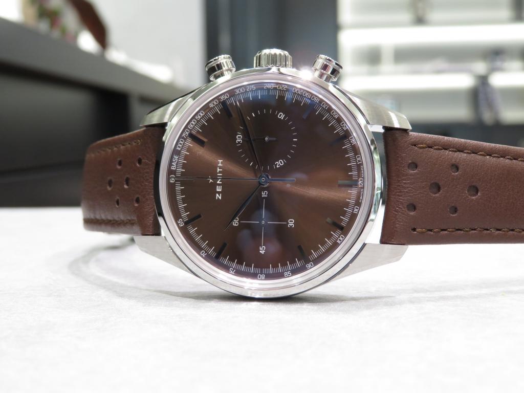 IMG_2503 サンレイ仕上げのブラウン文字盤が綺麗なゼニス ヘリテージ146 - CHRONOMASTER