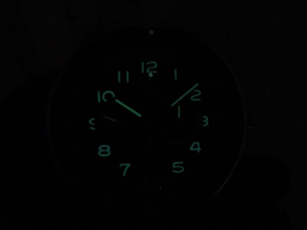 IMG_3034 暗闇でのゼニスモデルはこう見えます - CHRONOMASTER PILOT