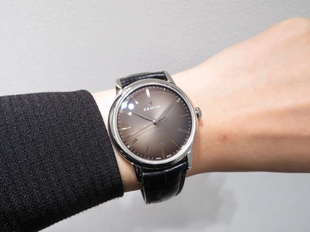 IMG_3068 スモーク仕上げのブラックダイヤルが綺麗な三針モデル ゼニス新作「エリート クラシック」 - ELITE