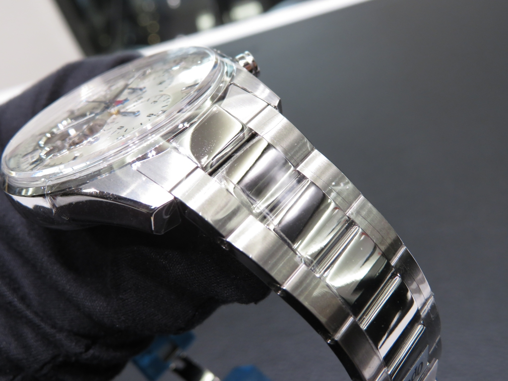 IMG_4433 ストラップ違いのエル・プリメロ オープン シルバー文字盤を比較 - CHRONOMASTER
