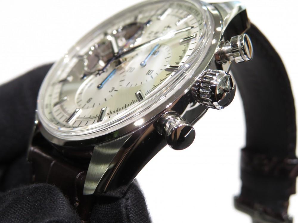 IMG_7714 綺麗なシルバーダイヤルからZENITHが誇るエル・プリメロがちらり。エル・プリメロ オープン - CHRONOMASTER