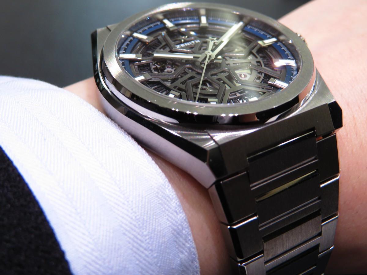 IMG_8690 夏にはブレスレットモデルが人気!スケルトンダイアルで腕元にインパクトを!デファイ クラシック - DEFY