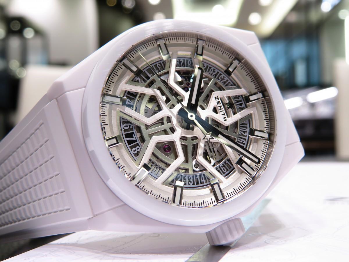 IMG_8942 デファイ クラシックのホワイトセラミックモデルが初入荷!夏に向けて爽やかな時計はいかがですか!? - DEFY