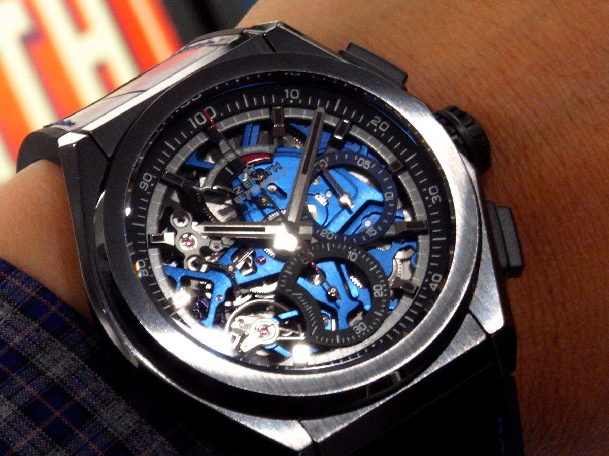 R1171340 夏は腕元にインパクトを。全世界250本ブティック限定のデファイ エル・プリメロ21 - DEFY