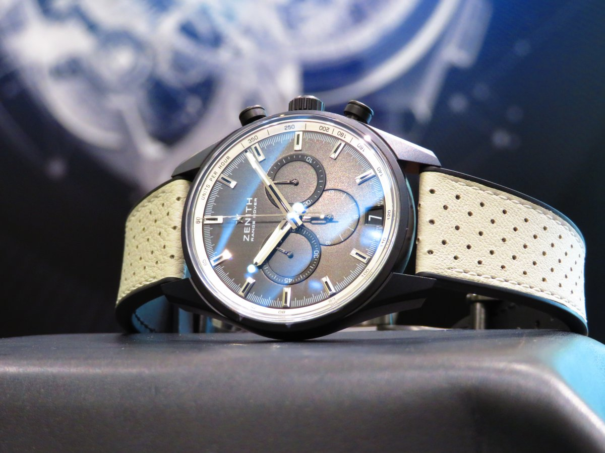 IMG_9908 青い空、青い海、焼けた肌 黒い時計!ゼニスエルプリメロ42㎜セラミナイズドアルミニウム素材 - CHRONOMASTER