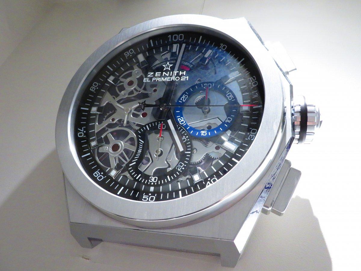 IMG_0049 ゼニスブティック大阪店内にあったゼニスの壁掛け時計がデファイ エル・プリメロ21に変わりました♪ - DEFY ご案内