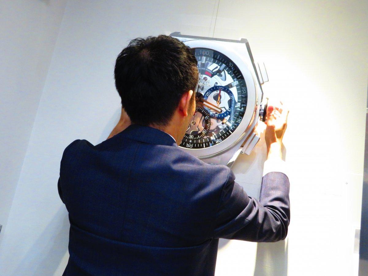 IMG_9898 ゼニスブティック大阪店内にあったゼニスの壁掛け時計がデファイ エル・プリメロ21に変わりました♪ - DEFY ご案内