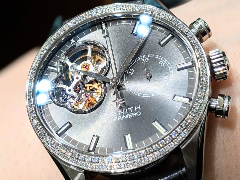 00100lPORTRAIT_00100_BURST20191024114709754_COVER ダイヤモンドの煌めきとシックなグレーダイアルに一目惚れ エル・プリメロ オープン レディ - CHRONOMASTER