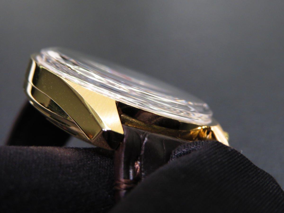 IMG_0508 ゼニスコレクションの中では珍しい18Kイエローゴールドモデル50周年エルプリメロA386リバイバル - CHRONOMASTER