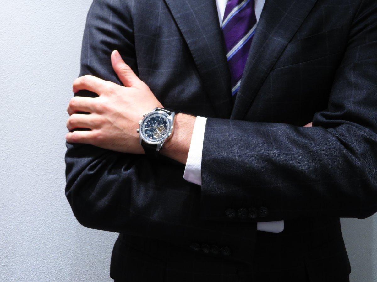 IMG_0939 引き締まったブラック文字盤がやっぱりカッコ良い!エルプリメロオープン、スーツで決めて出来る男を演出。 - CHRONOMASTER