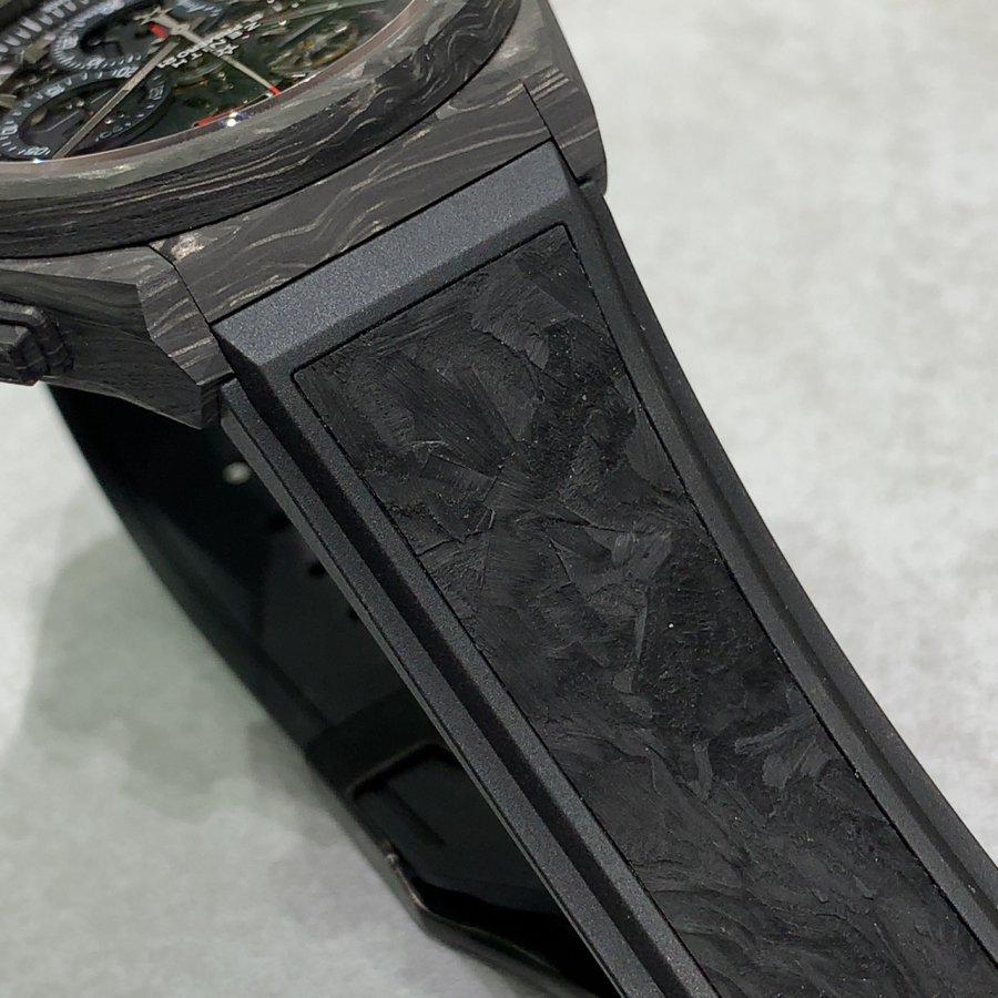 IMG_4301 大迫力のカーボンケース!超軽量の【デファイ エル・プリメロ21】 - DEFY