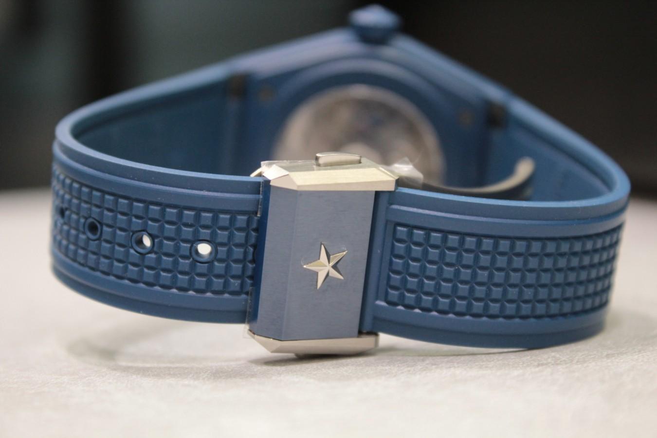 IMG_3472-1 暑い時期の腕元にブルーの時計はいかがですか!?【デファイクラシックセラミック】 - ELITE