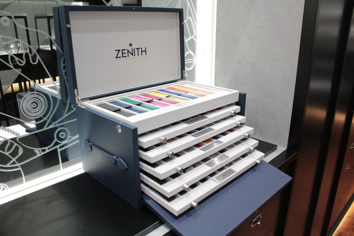 IMG_4814 ゼニスの豪華なストラップボックスが入荷しました!現行モデルのストラップを色々ご覧頂けます。 - ベルト/ストラップ
