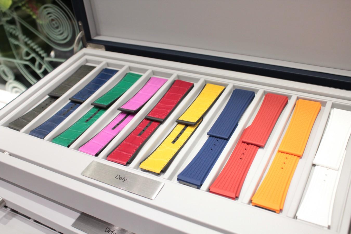 IMG_4815 ゼニスの豪華なストラップボックスが入荷しました!現行モデルのストラップを色々ご覧頂けます。 - ベルト/ストラップ