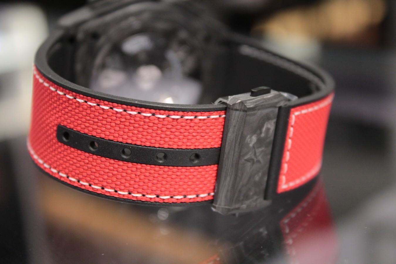 IMG_5902 赤と黒のコントラストがカッコ良い!?世界200本限定のスペシャルモデル「デファイ エル・プリメロ21 カール・コックス エディション」 - DEFY