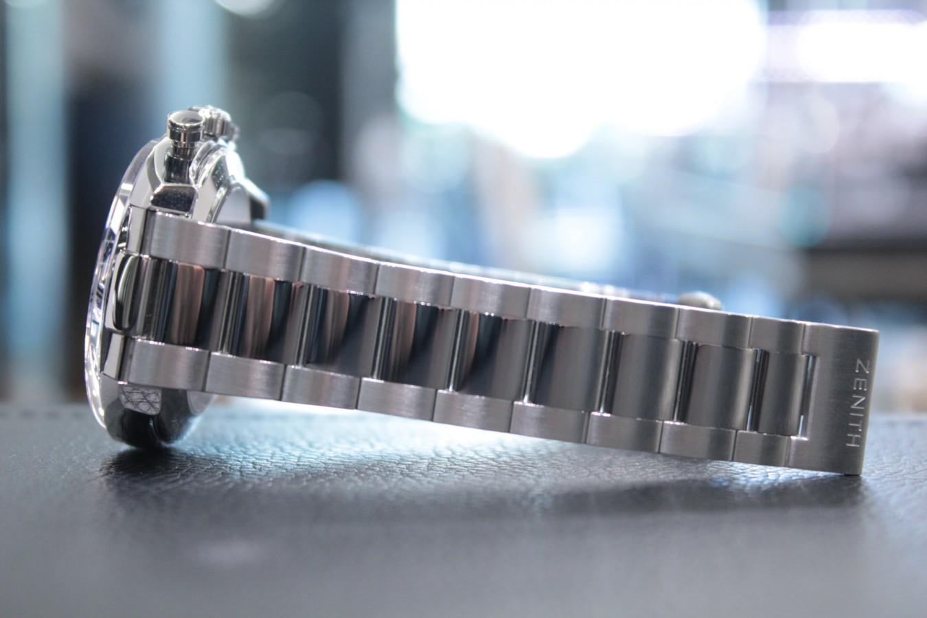 IMG_6253 生産終了のグレーダイヤル!マルチカラーの【エルプリメロ 42mm】 - CHRONOMASTER