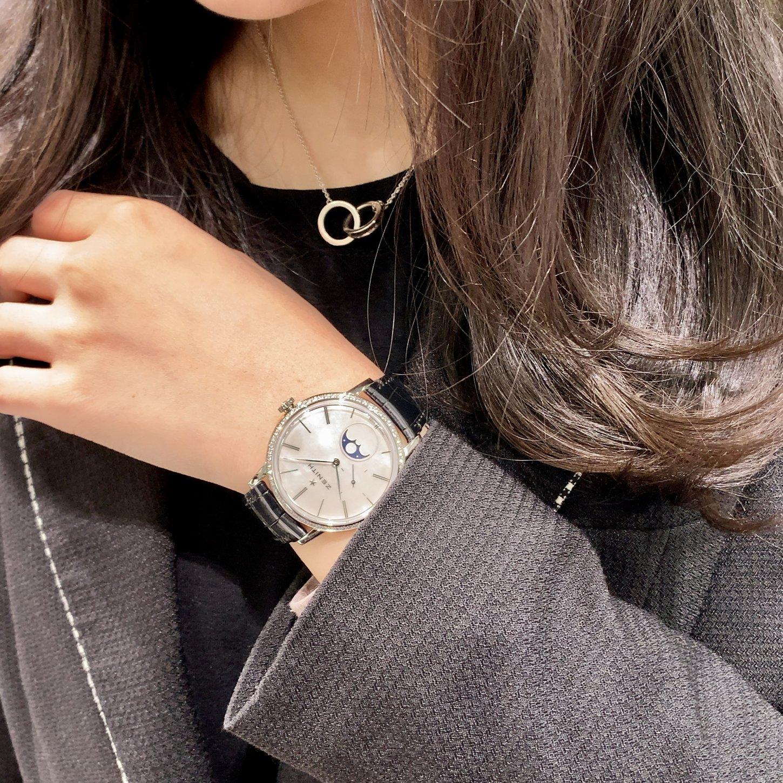 IMG_8269 大人の女性を引き立てる美しい腕時計『エリート ウルトラ シン レディ ムーンフェイズ』 - ELITE