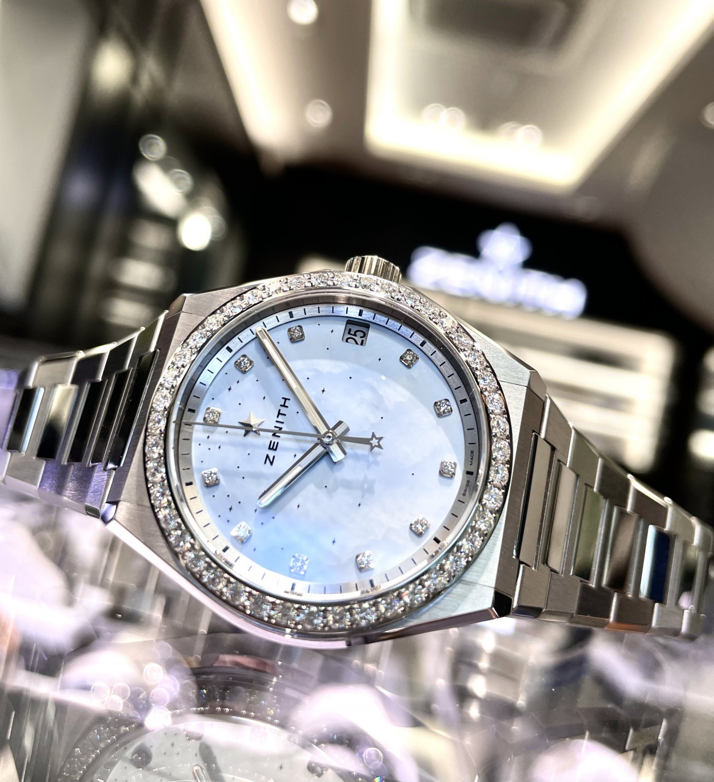 ホワイトダイヤモンドの透明感ある輝きが上品でリッチな印象に!『デファイ ミッドナイト』 - DEFY  IMG_5755