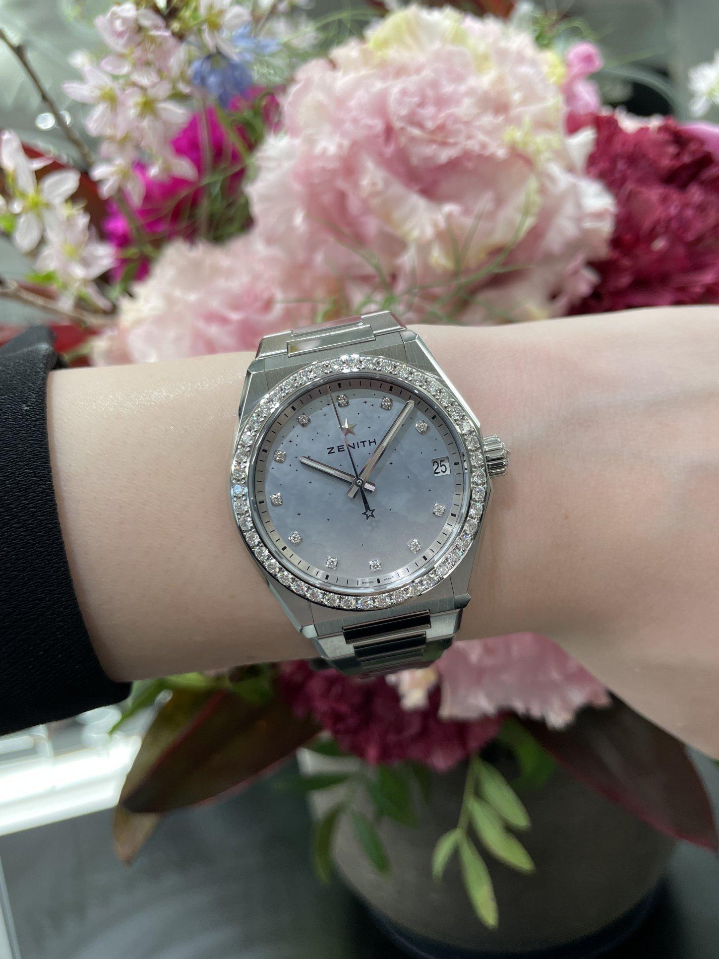 ホワイトダイヤモンドの透明感ある輝きが上品でリッチな印象に!『デファイ ミッドナイト』 - DEFY  IMG_5773